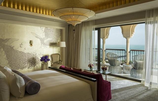 отель в Дубае с красивым видом на море