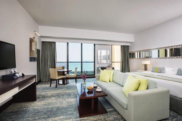 Отель в Дубае с видом на залив