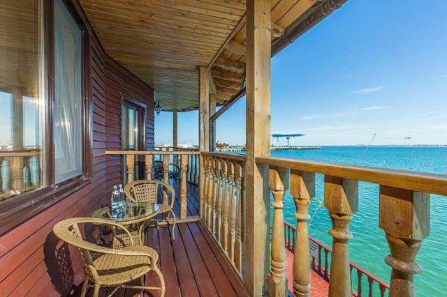 номер на берегу моря в Анапе с красивым видом из окна