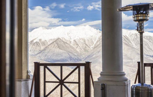 отель с красивым видом на горы в Красной Поляне Сочи