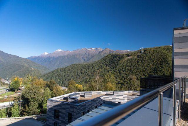 отель в поселке Эсто-Садок Сочи с красивым видом на горы