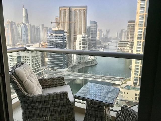 отель с панорамными окнами в Дубае