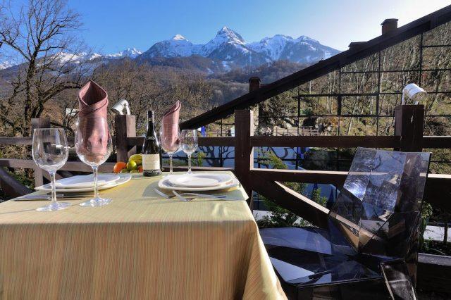 отель на Красной поляне с красивым видом на горы