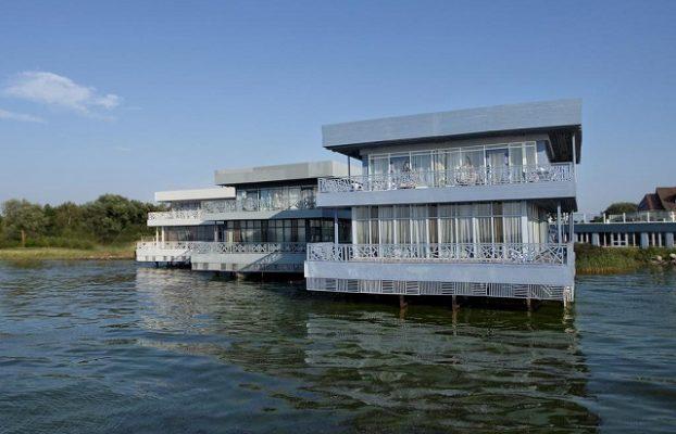 отель на воде в Калининградском заливе
