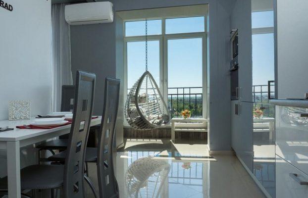 стильные апартаменты с большими видовыми окнами