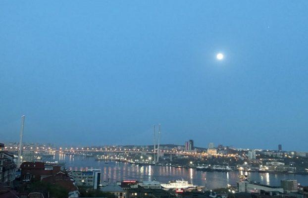 красивый вид на Владивосток с Высокого места