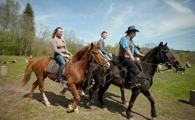 катание на лошадях в Подмосковных отелях