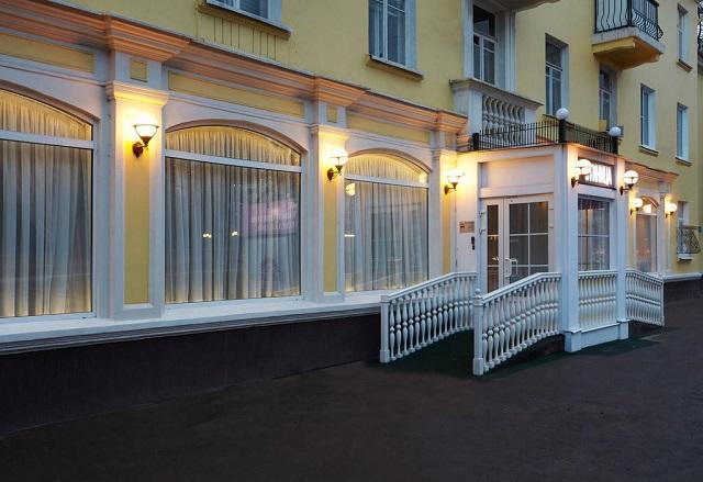 отель рядом с горнолыжными подъемниками