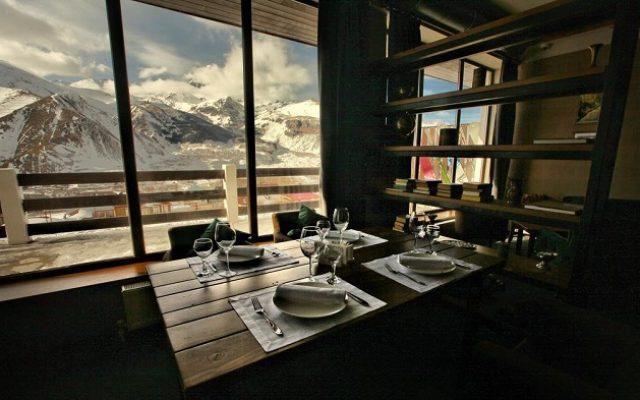 alpine-lounge-kazbegi1