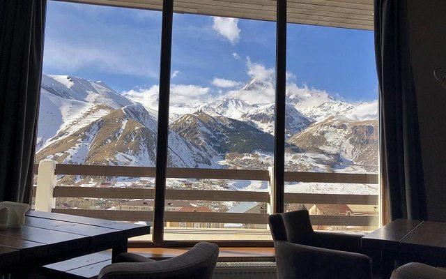 alpine-lounge-kazbegi2