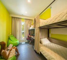 hostel-academia-1