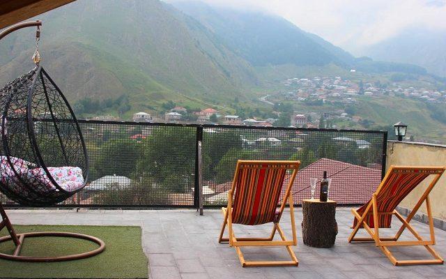 veranda-guesthouse1