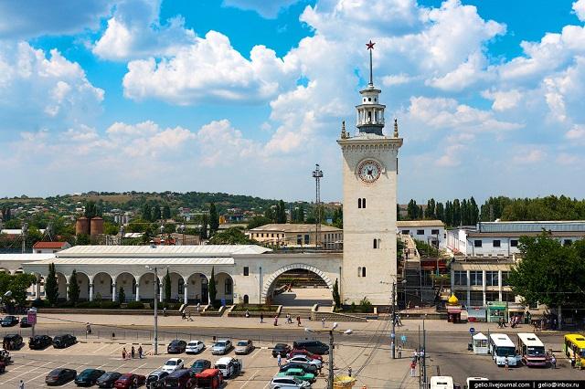 Лучшие отели и хостелы рядом с ж/д вокзалом в Симферополе