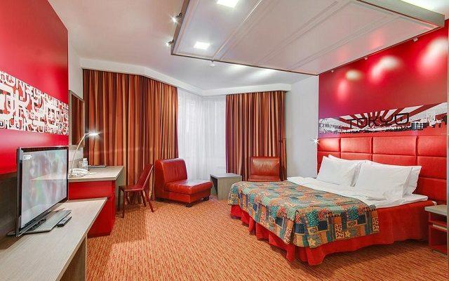 red-stars-hotel