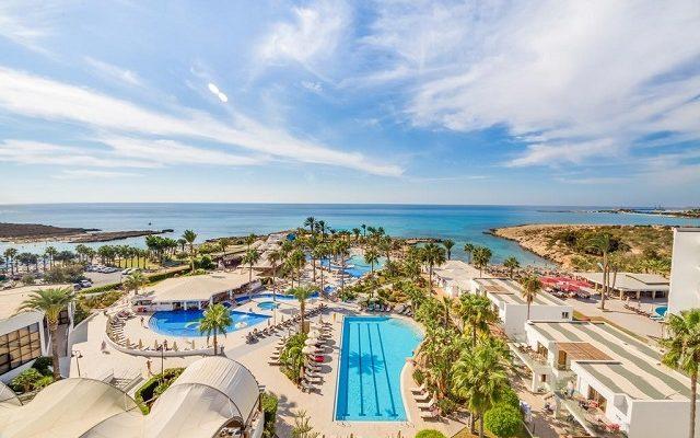 adams-beach-hotel1