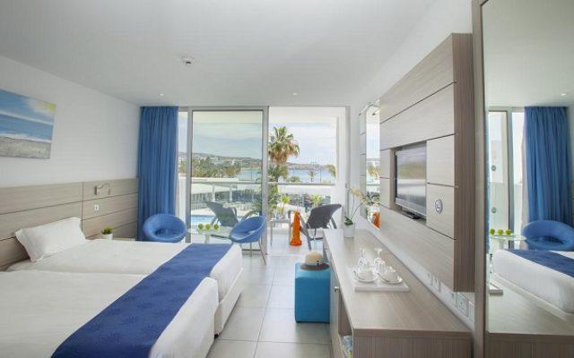 limanaki-beach-hotel-suites1