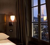 first-hotel-paris-tour-eiffel-3