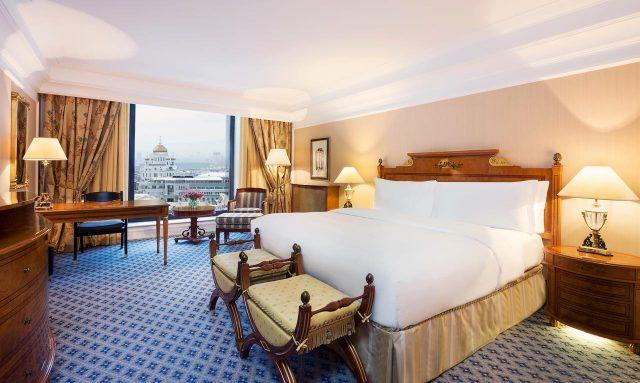 шикарный номер для новобрачных в отеле Риц Карлтон