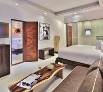 the-privilege-hotel-ezra-beach-club-3