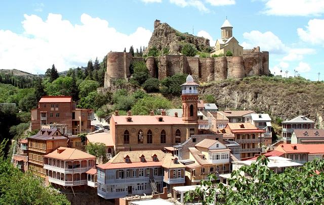отели и гостевые дома Тбилиси с красивым видом на горы и город