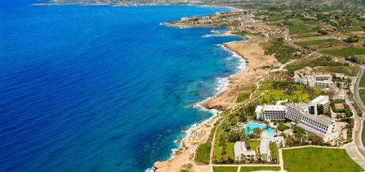 Лучшие отели Пафоса с каменистым пляжем