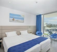 limanaki-beach-hotel-suites-2