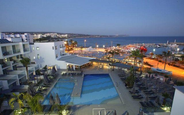 limanaki-beach-hotel-suites2