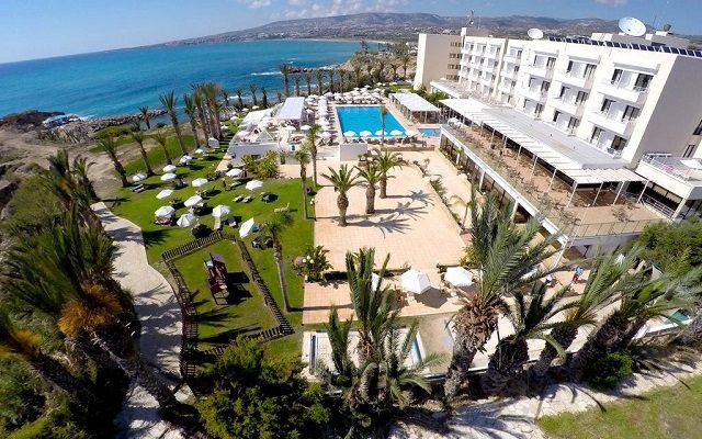 queens-bay-hotel1