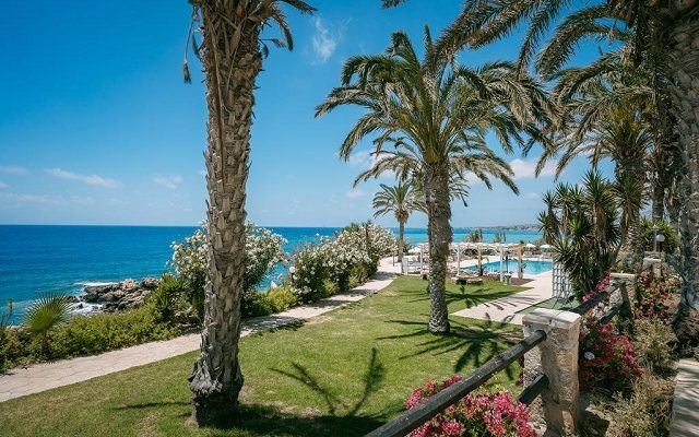 vrachia-beach-hotel-suites-adults-only