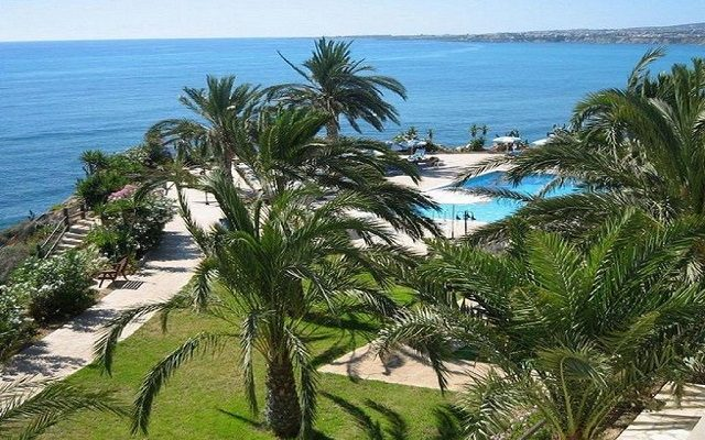vrachia-beach-hotel-suites-adults-only1